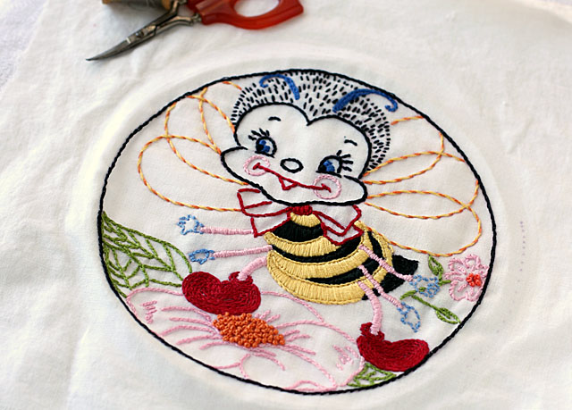 busy bee vintage inspired embroidery iron-on transfer
